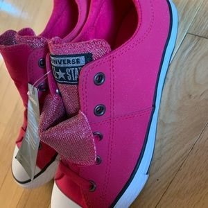 Converse pink double tongue leather upper sneaker size 4-brand new with tags